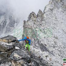 100多张极限攀登徒步登上正能量挑战自我的图片和一个充满能量的视频